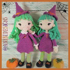 """♡Poly♡ en Instagram: """"(ENG ⬇️)🎃🕷️Irina, la bruja. ¿Todavía no tejieron la suya? 😮 Patrón disponible en mis tiendas 😉 Link en bio📌 . . 🎃🕷️Irina, the witch. You…"""" Amigurumi Doll, Witch, Crochet Hats, Dolls, Link, Instagram, Tents, Budget, Knitting Hats"""