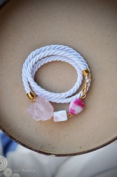 Bracelet with rose quatrz