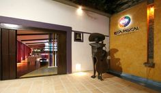 Restaurante Rosa Mezcal :::: Alta Cocina Mexicana   En la zona mas tradicional de Cali, un barrio de artistas, donde las texturas y arquitectura nos dejan vivir un pasado del cual siempre anhelamos...  Calle 2 # 4- 63 San Antonio