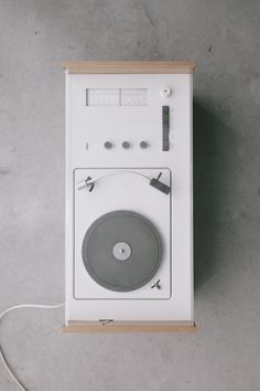Braun SK55 — Minimally Minimal. This system is legendary, at least in the product design realm. Never seen one live.