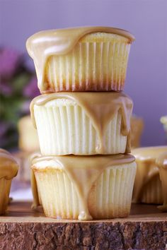 These perfect buttermilk caramel cupcakes are the kind of thing that you can have a hankering for at and be eating by Simply Delicious. Cupcake Recipes, Baking Recipes, Dessert Recipes, Baking Desserts, Baking Cupcakes, Drink Recipes, Just Desserts, Delicious Desserts, Yummy Food