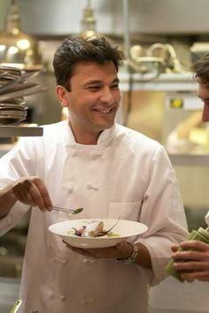 Your food is your expression, live it: Vikas Khanna