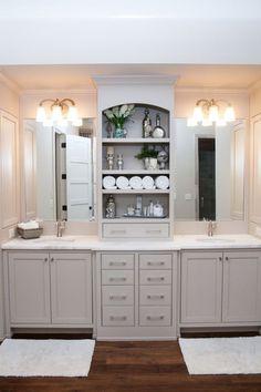Neutral Modern Farmhouse Bathroom with Gray Double Sink Vanity #farmhousedecor #modernfarmhouse #modernfarmhousedecor #bathroom #bathroomdecor #bathroomdecorideas #bathroomdecoratingideas #bathroomideas #bathroomdesign #farmhousebathroom #farmhousebathroomdecor #modernfarmhousebathroom