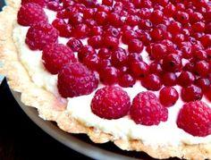 Kokosový koláč s krémem z bílé čokolády a mascarpone Raspberry, Cheesecake, Pie, Fruit, Sweet, Food, Mascarpone, Torte, Candy