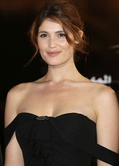 Gemma Arterton Biography : Gemma Christina Arterton was born in south-east England welders father and mother cleaning lady. She grew up with her ​​parents a....Read More & Have a Latest Hd Wallpapers