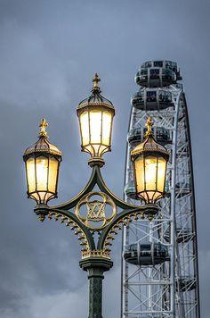 Lamp Post - London (LW19)