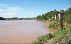 Medo da enchente no Vale do Ribeira faz população buscar informações