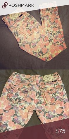 Miss me skinny jeans Miss me skinny jeans with floral print, super cute skinnies, only worn once! Make an offer!! Miss Me Jeans Skinny