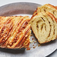 Okay, yes, you can omit the eau de vie in this cheesy loaf recipe. But it really echoes the flavor of fondue in an unexpected and playful way. Loaf Recipes, Pastry Recipes, Banana Bread Recipes, Chocolate Babka, Chocolate Art, Best Blueberry Muffins, Best Bread Recipe, Cream Scones, Yogurt Cake