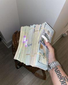 Money On My Mind, Make Money Today, How To Get Money, Money Girl, Money Stacks, Girly, Quick Weave, Manifesting Money, Motivation Goals