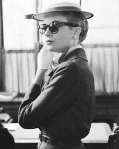 1956 ○ Grace photographed by Lisa Larsen // #gracekelly