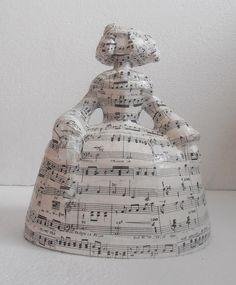 """ESCULTURA ACTUAL - MENINA """"MÚSICA I"""" http://www.cuadrosblangar.es/figuras-decorativas/546-escultura-actual-menina-musica-i.html"""