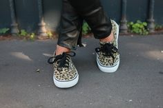 ✖✖✖ vans ✖✖✖ i want these ;-)