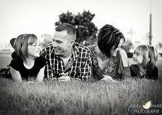 Family photos:  Cute positioning...laying on ground and propping on elbows