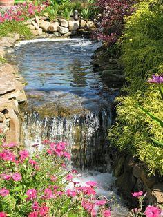71 id es et astuces pour cr er votre propre jardin de rocaille d co et design for Fontaine de jardin nature et decouverte