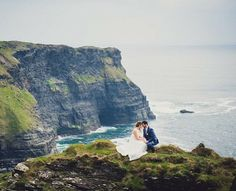 I'm back from Ireland today but am now obsessed with the amazing coastline I could see from the plane as we flew away.  This jaw dropping elopement is from the fabulous @peachperfectwed and I cannot wait to see some more Irish elopements!