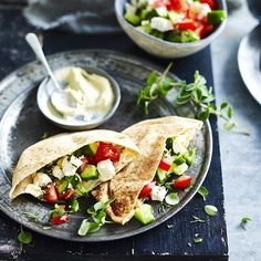 A healthier WW recipe for Hummus, tomato, cucumber and feta pockets ready in just Get the SmartPoints value plus browse other delicious recipes today! Ww Recipes, Healthy Recipes, Weight Watchers Vegetarian, Hummus Recipe, Vegetarian Cheese, Recipe Today, Feta, Cucumber, Food And Drink