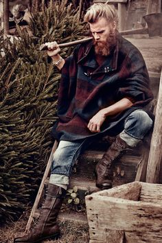 """The look every man wants to exude. 'Forest Hunk' by Diego Merino & Damian Foxe for How To Spend It."" Couldn't remove the original caption. Old School Style, Lumberjack Style, Lumberjack Boots, Estilo Hipster, Hipster Man, Hipster Grunge, Viking Men, Hunks Men, Man Of The House"
