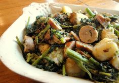 Sunday Fireside Dinner: Sweet Sausage and Broccoli Rabe with Potatoes - Our Italian Table Broccoli Rabe And Sausage, Broccoli Rabe Recipe, Sausage Potatoes, Brunch Recipes, Dinner Recipes, Dinner Ideas, Side Dish Recipes, Vegetarian Recipes, Italian Table