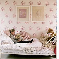 Girls pink bedroom | South London home | Homes & Gardens house tour | PHOTO GALLERY | Housetohome.co.uk