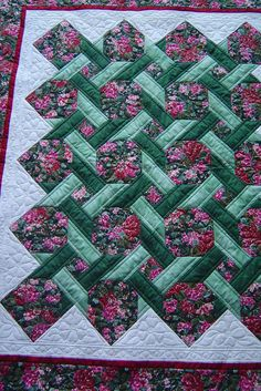 Pretty patchwork & quilting- Quilted by Jessica's Quilting Studio