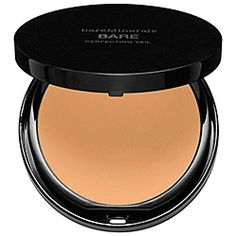 This foundation powder is my secret weapon for giving my complexion a brightened, flawless finish before going out. #bareMinerals #Sephora #finishingpowder