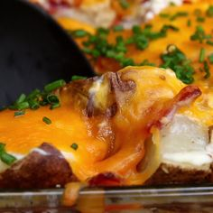 Cheesy Potato Casserole add s & p to potatoes, Italian seasoning, garlic and more sour cream. I Love Food, Good Food, Yummy Food, Yummy Mummy, Yummy Eats, Yummy Snacks, Cheesy Potato Casserole, Potato Soup, Potatoe Casserole Recipes