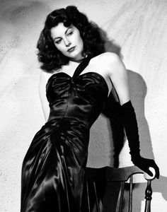 Ava Gardner, one of the most beautiful actresses ever. Vintage Glamour, Old Hollywood Glamour, Golden Age Of Hollywood, Vintage Hollywood, Hollywood Stars, Vintage Beauty, Classic Hollywood, Ava Gardner, Divas