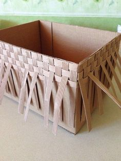 Best 8 diy by me! All I needed was a cardboard box, some rope, a hot glue gun, and linen to line the Newspaper Basket, Newspaper Crafts, Diy Karton, Diy Storage Boxes, Diy Crafts How To Make, Easy Craft Projects, Cardboard Crafts, Basket Weaving, Rope Basket