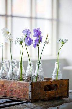 spring flowers in coca cola bottles. Simple Flowers, Love Flowers, Spring Flowers, Beautiful Flowers, Fresh Flowers, Spring Flower Arrangements, Floral Arrangements, Corner Deco, Coca Cola Bottles