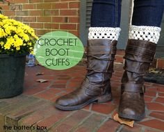 Fall is here. That means cooler weather, crunchy leaves on the ground, pumpkin everything, and roasted marshmallows over a bonfire. Now, I am really a Spring/Summer girl but there's one thing I LOVE about fall: BOOTS WEATHER! I just can't…