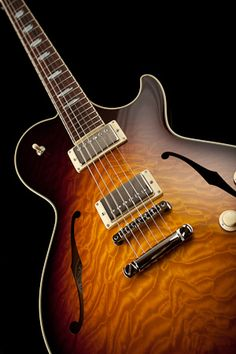 Collings SoCo Dlx | Handmade Instruments from Austin, TX