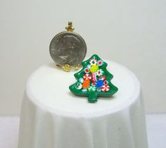 Dollhouse Miniature Christmas Tree Candy Dish with Handcrafted Candies 7   eBay