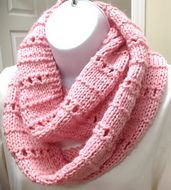 Free pattern on Ravelry: Quick and Simple Cowl or Scarf pattern by Judy Bateman