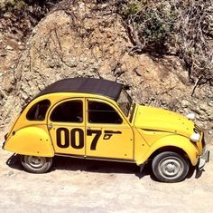The Citroën 2CV 007 edition complete with bullet hole decoration from For Your Eyes Only (1981). #JamesBond