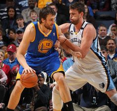 02.08.13 | Andrew Bogut logged his season-high with 27 minutes and tallied seven points and six rebounds.