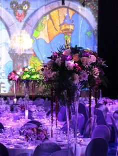 Pearl Avalanche and Sweet Avalanche by Meijer Roses were styled in an fairytale atmosphere for the Princess Ball in Disneyland Paris! (photo by LM Flower Fashion)