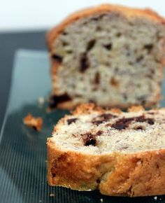 banana bread the French way Biscuit Cake, Biscuit Recipe, Sweet Desserts, Sweet Recipes, Chocolat Cake, Delish Cakes, Bread Appetizers, Dessert Aux Fruits, Sweets Cake