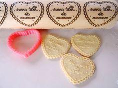 Motif personnalisable Petit coeur de maman rouleau à pâtisserie avec emporte pièce
