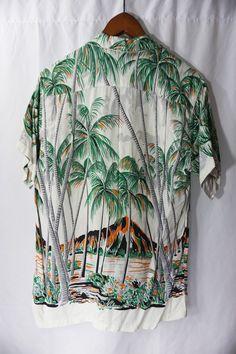 8923200f5 Men Shirt, Mens Tees, Jungle Boogie, Vintage Hawaiian Shirts, Bowling Shirts,  Black Socks, Aloha Shirt, Havaianas, Print Ideas