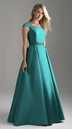 Modest Formal Dresses, Formal Gowns, Elegant Dresses, Pretty Dresses, Indian Gowns Dresses, Gala Dresses, Debutante Dresses, Frock For Women, Gown Pattern