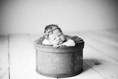 Another cute newborn pose.