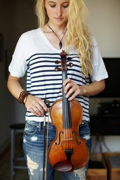 Jane Hunt (violinist), featured in Feb/Mar/Apr '12 issue of Where Women Create | Photography by Katherine Slinghuff
