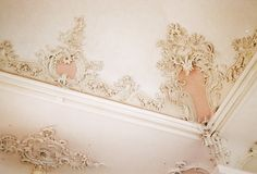 gorgeous!!!!  I would feel like I died and went to heaven if I had this kind of fancy trim in my home!