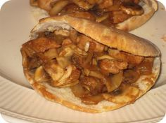 Op dit eetdagboek kookblog : Pitabroodjes met Kipfilet en Champignons - Ingrediënten: 4 pitabroodjes, 1 kipfilet, 2 eetlepels tomatenketchup, 2 eetlepels ketjap manis, 1 theelepel sambal, 1 teentje knoflook, 1 ui, 250 gram cham