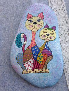 Mandala Painted Rocks, Painted Rocks Craft, Hand Painted Rocks, Pebble Painting, Pebble Art, Stone Painting, Rock And Pebbles, Pet Rocks, Zen Art