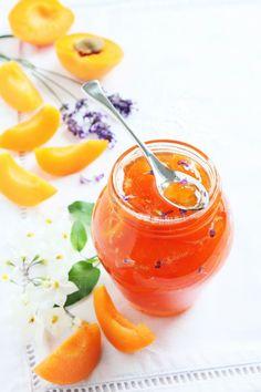 abricot, nectarine, sucre, lavande, jus de citron