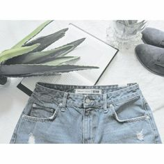 $200 LOVERS + FRIENDS DISTRESSED BOYFRIEND JEANS Sexy ripped boyfriend jeans from trendy fashion brand Lovers + Friends ❤️ Must have addition to any it girls wardrobe  Perfect condition. Lovers + Friends Jeans Boyfriend