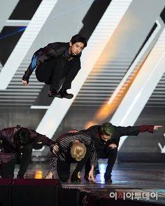 161008 #EXO @ DMC FESTIVAL 2016: MBC KOREAN MUSIC WAVE ⓒAsia today ◆ ◆ ◆ ◆ ---------------------------- #엑소사랑해 ♥ #EXO #EXOK #EXOL #EXOM #WEAREONE #엑소 #suho #chanyeol #sehun #kyungsoo #kai #baekhyun #kris #lay #tao #luhan #chen #xiumin #WuYiFan [FOREVER ONE, FOREVER EXO12] #αdmin_NK