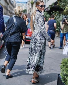 Olivia Palermo Style, Style Icons, Harem Pants, Jumpsuit, Black And White, Marion, Womens Fashion, Pretty, Beauty